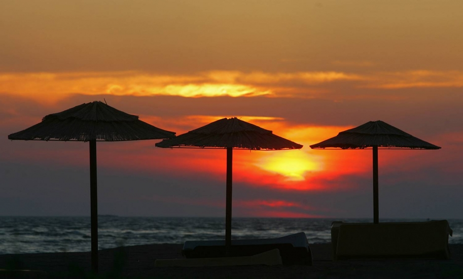 Ada Bojana zalazak Sunca na plaži